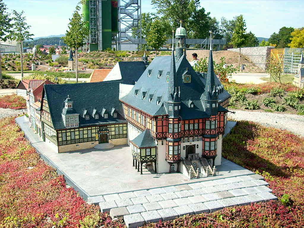 Das Rathaus von Wernigerode im Miniaturenpark